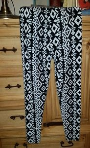 Pants - G geometric design lightweight crop pants
